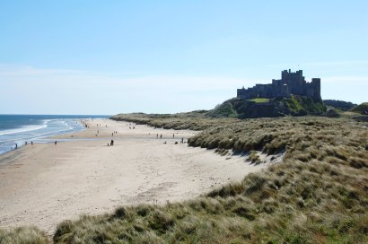 beach-bamburgh-castle